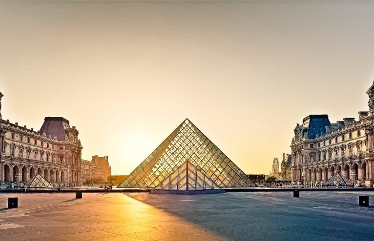 Things You Must Have In Your Sightseeing Tour Of Paris.